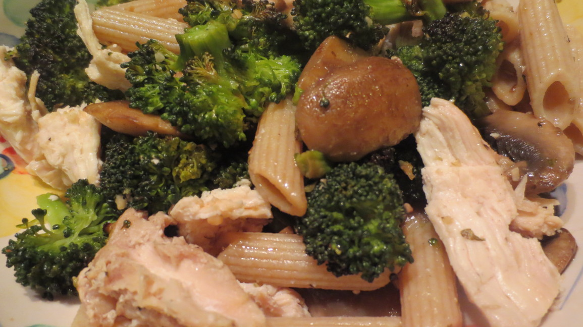 Cooperific Broiled Broccoli with Chicken, Mushrooms and Whole Wheat Penne Pasta