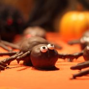 How to Make Halloween Spider Cake Pops!